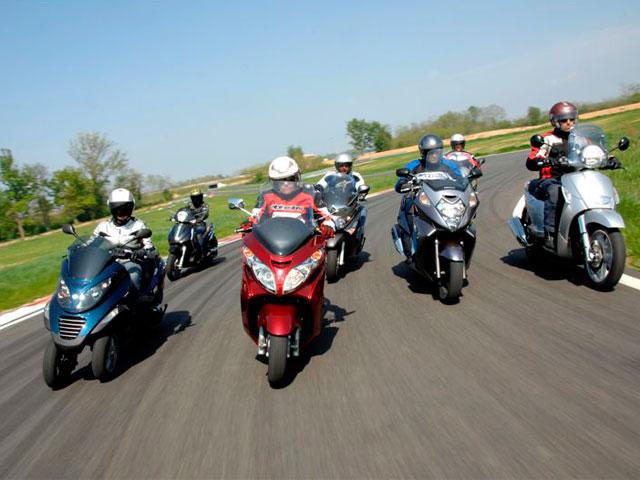Qué moto comprar: scooter gran cilindrada