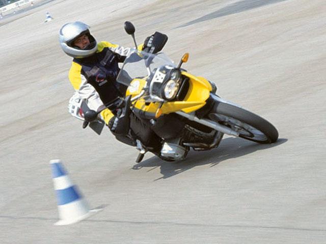 Curso de Conducción de Motos en Madrid con Movilnorte