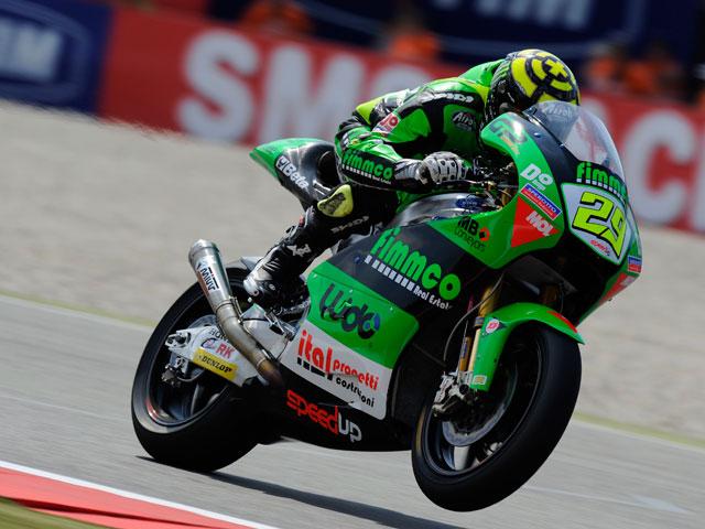 Andrea Iannone se lleva la victoria de Moto2 en Assen