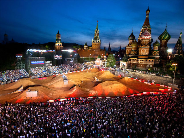 Red Bull X- Fighters al rojo vivo en Moscú