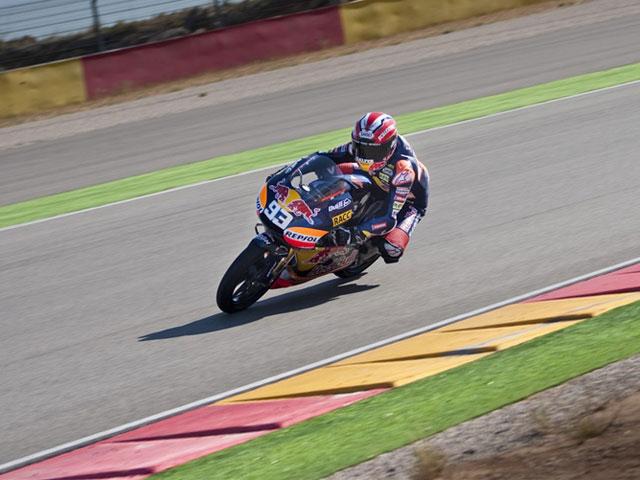 Iannone y Márquez dominan en MotorLand