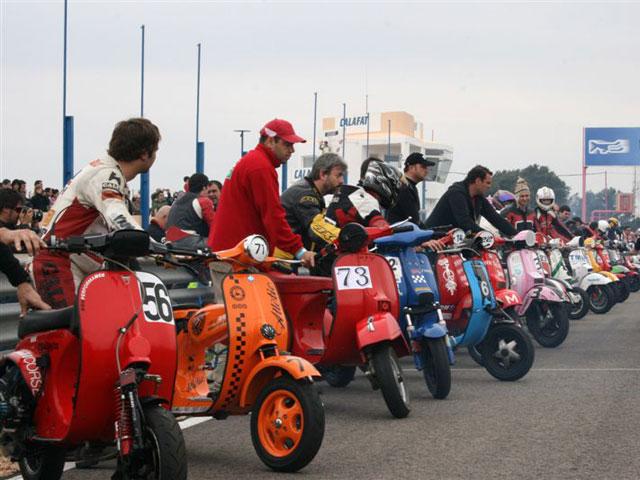 6 Horas de Resistencia Vespa y Lambretta en Motorland Aragón