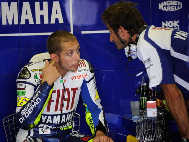 Valentino Rossi se operará del hombro al final de la temporada