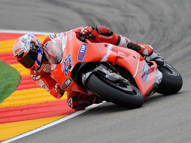Victoria contundente de Casey Stoner en el GP de Aragón