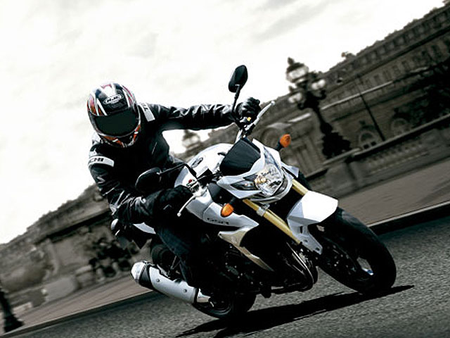 Suzuki presenta novedades 2011 en Intermot