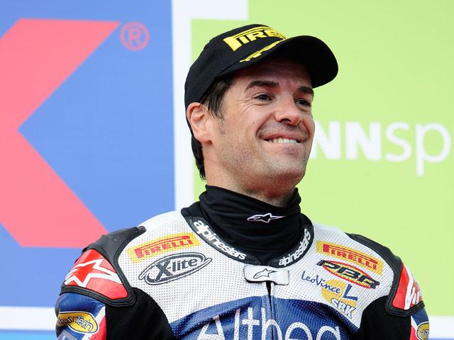 Carlos Checa con el equipo Pramac Racing en Estoril y Valencia