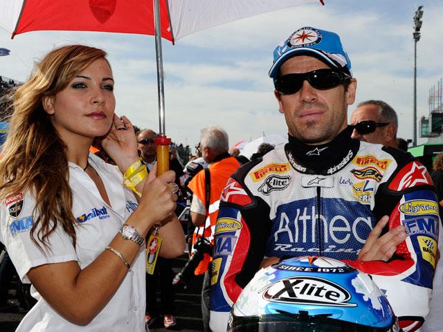 Carlos Checa, en el GP de Portugal y en el de Valencia