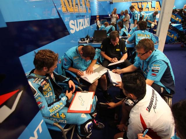 Vive el GP de Valencia con el Suzuki Rizla Team