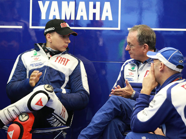 Jorge Lorenzo lidera los libres de MotoGP en Estoril