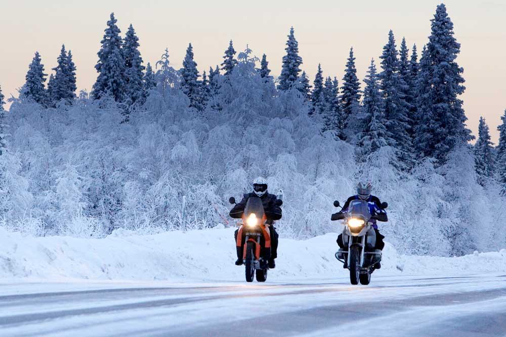 Equipamiento y trucos para usar la moto en invierno