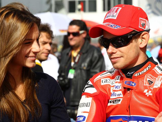 Casey Stoner da el primer aviso en el GP de Valencia