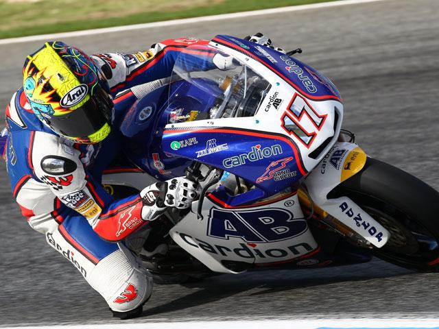 Karel Abraham pelea y gana en Valencia. Simón, subcampeón de Moto2