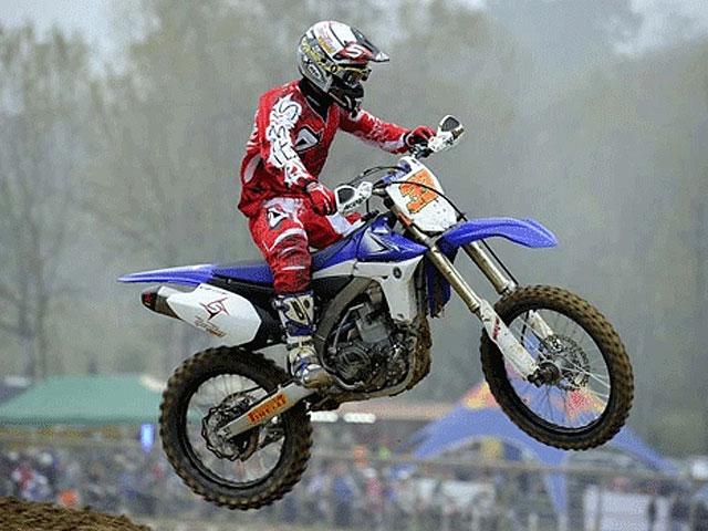 Marco Melandri vence en un motocross organizado por Wings for Life