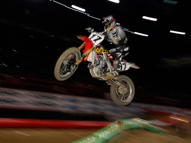 Justin Barcia gana el Supercross de París