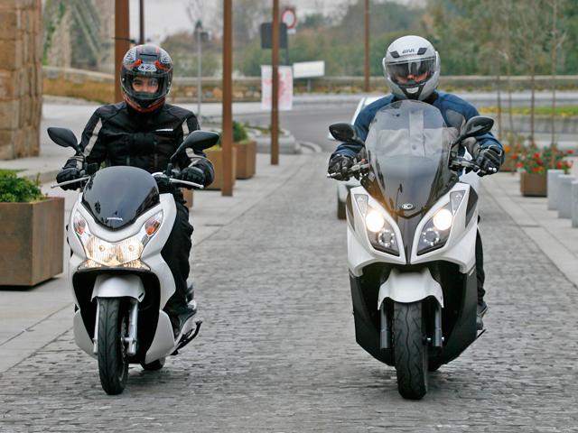 Comparativa Honda PCX y KYMCO Super Dink 125