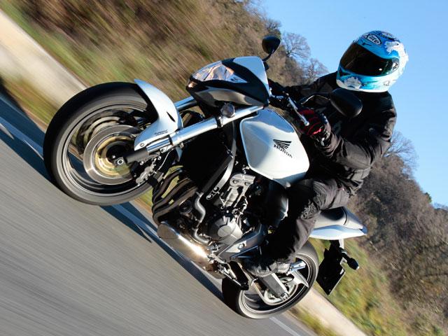 Honda CBF 600 F y Suzuki GSX-R 750