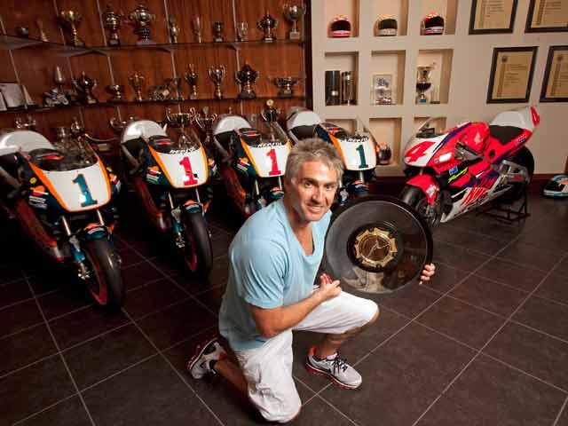 Mick Doohan se volverá a subir en una moto en la Isla de Man