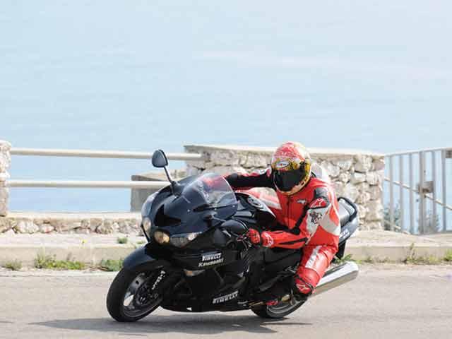 ¿Quieres ser probador Pirelli en MOTOCICLISMO?