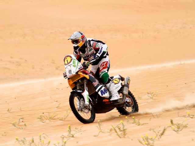 Marc Coma, a un paso de ganar en Abu Dhabi