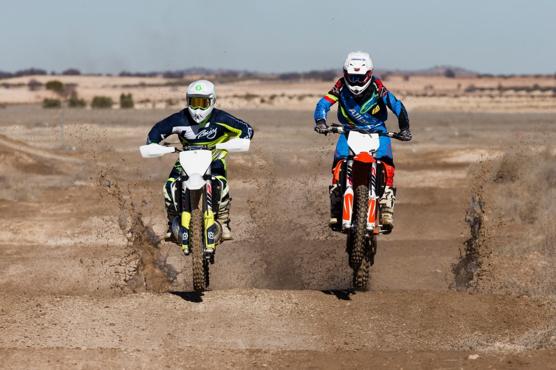 Comparativa MX: KTM 350 SXF vs Husqvarna TC 250