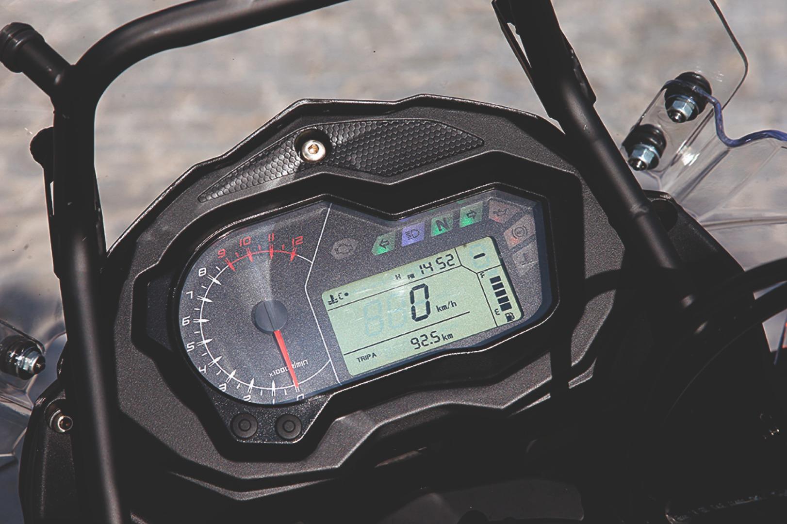Comparativa Honda CB500X vs Benelli TRK 502