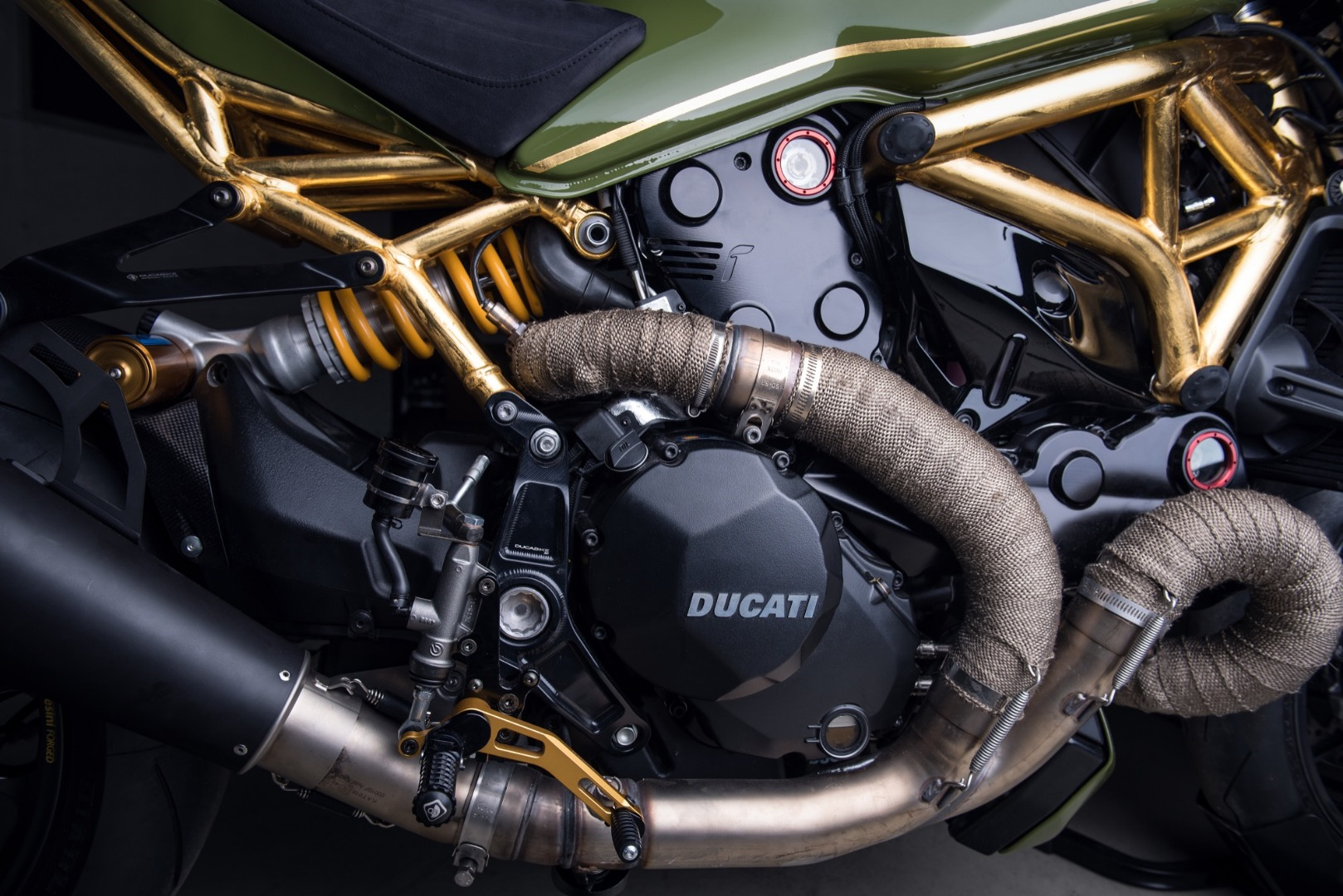 Ducati Monster DA#15, oro de 24K para la Monster