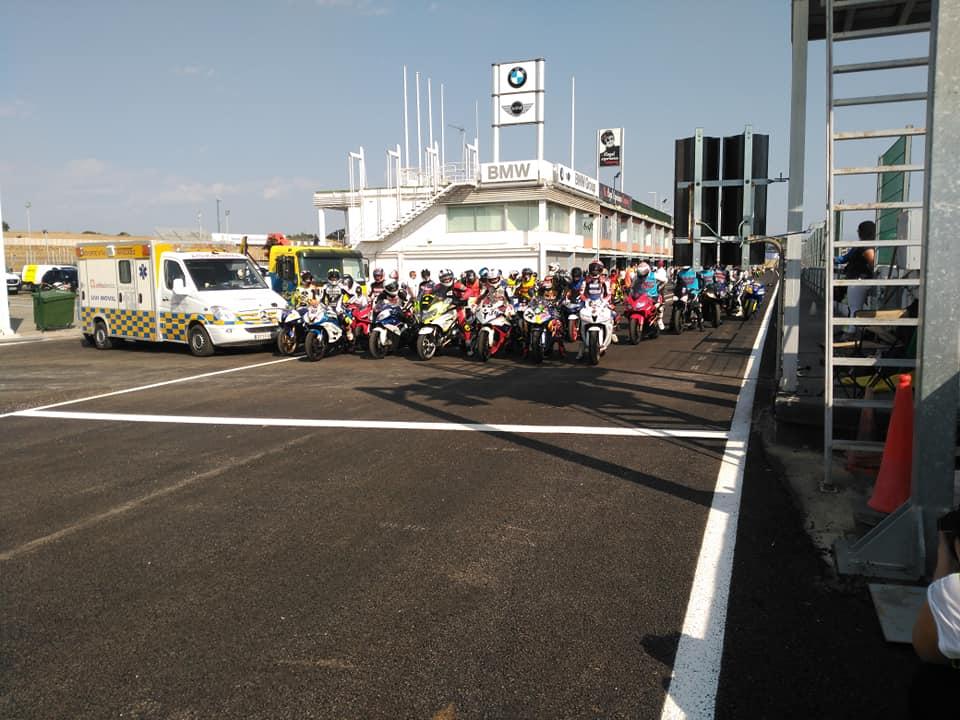 Probamos el nuevo asfalto del Circuito del Jarama RACE