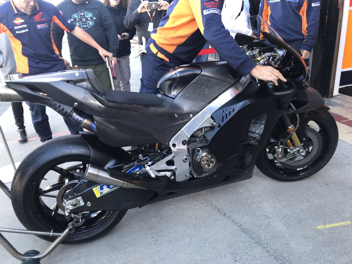 Jorge Lorenzo se sube a la Honda | Fotos MotoGP Test Valencia 2019