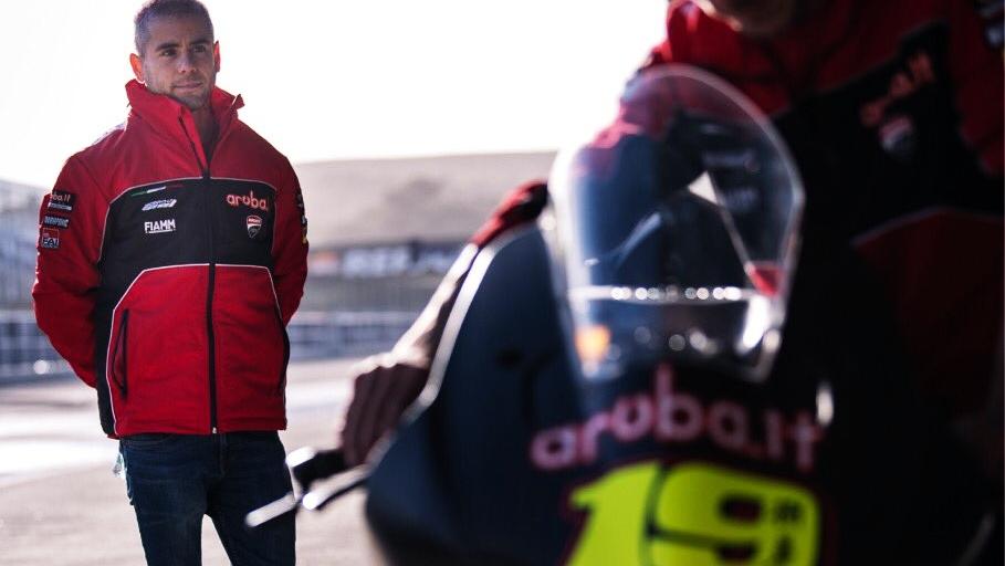 Álvaro Bautista con la Ducati Panigale V4R del Mundial de Superbike