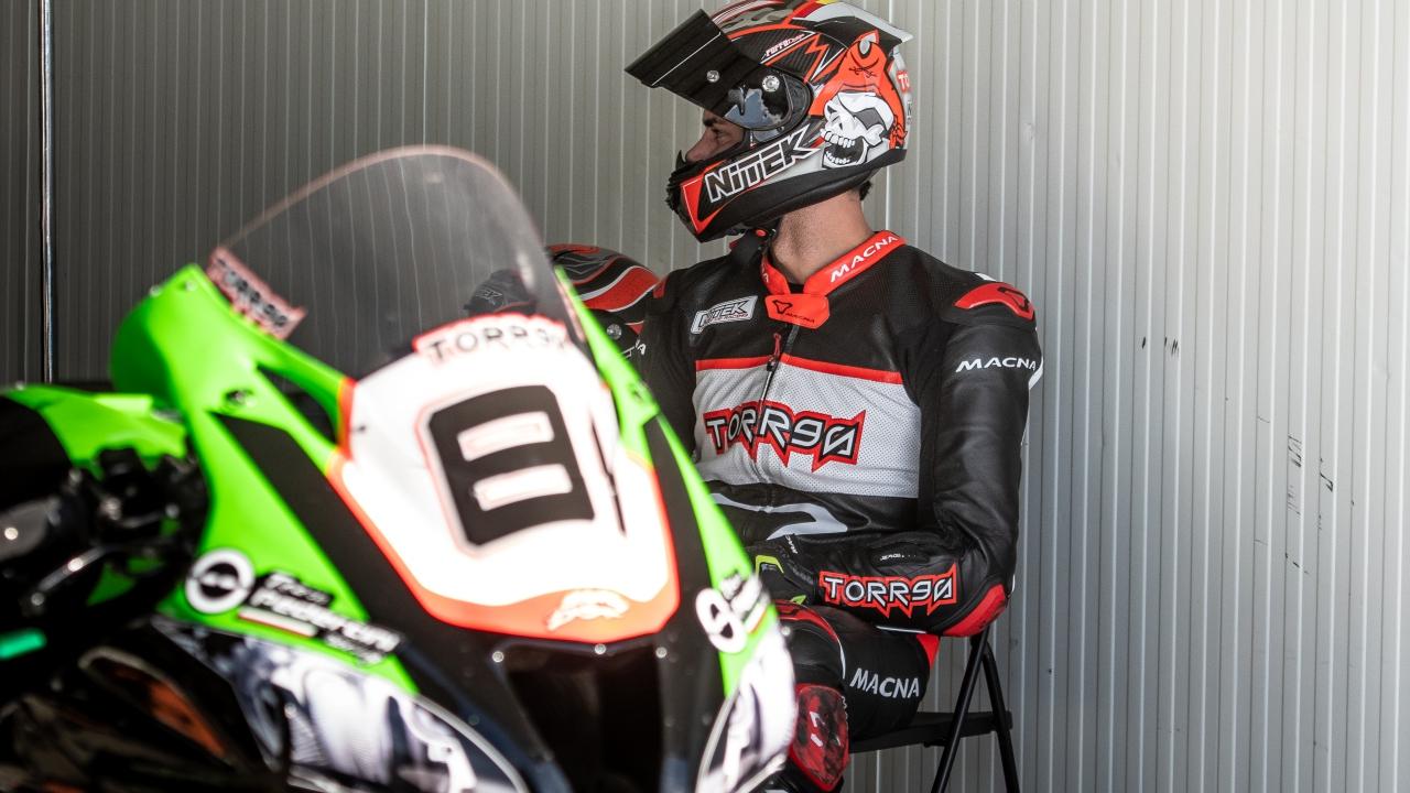 Jordi Torres en la Kawasaki ZX-10RR