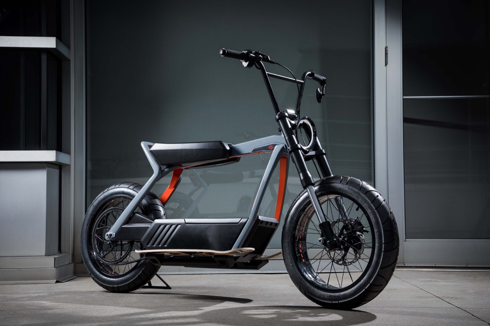 Harley-Davidson, a por el scooter y el enduro