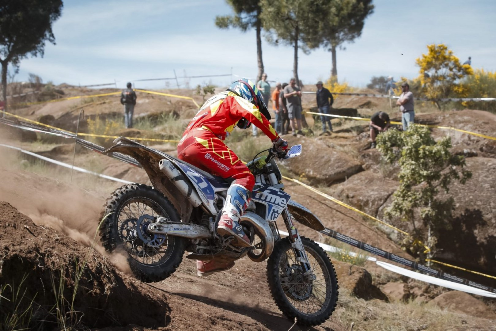 Enric Francisco triunfa en Junior en el EnduroGP de Portugal