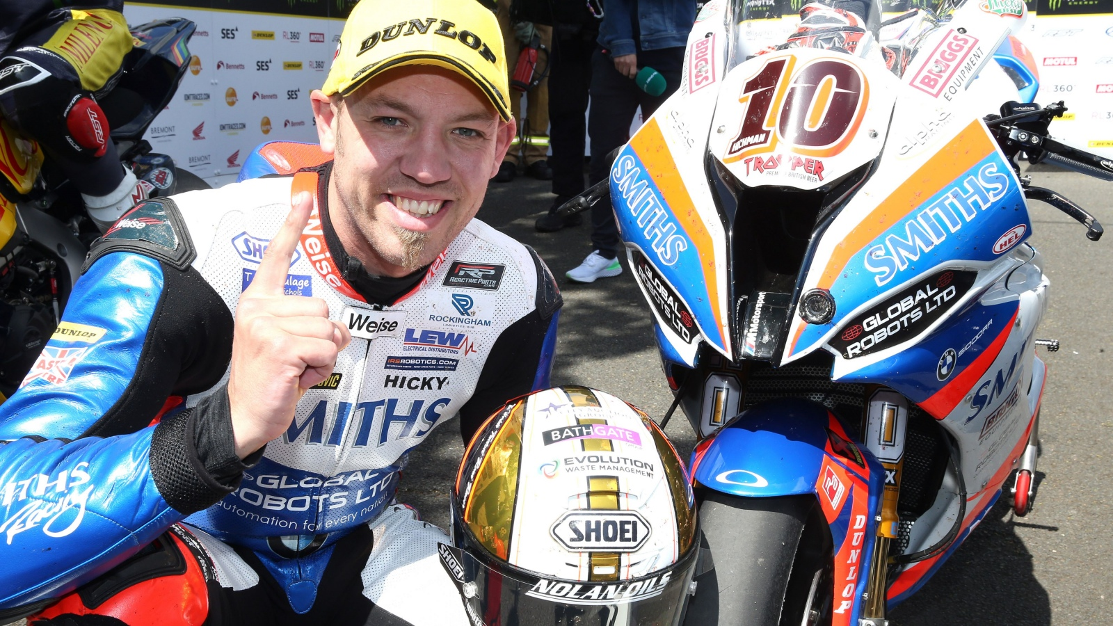 IOMTT 2019: Peter Hickman vence en Superbike y Lee Johnston se estrena en Supersport