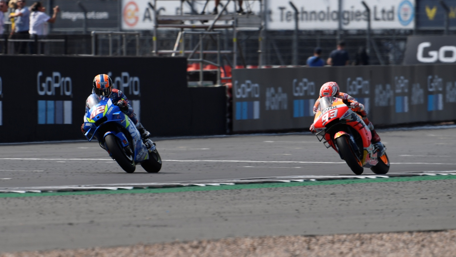 Álex Rins vs Marc Márquez, Silverstone 2019