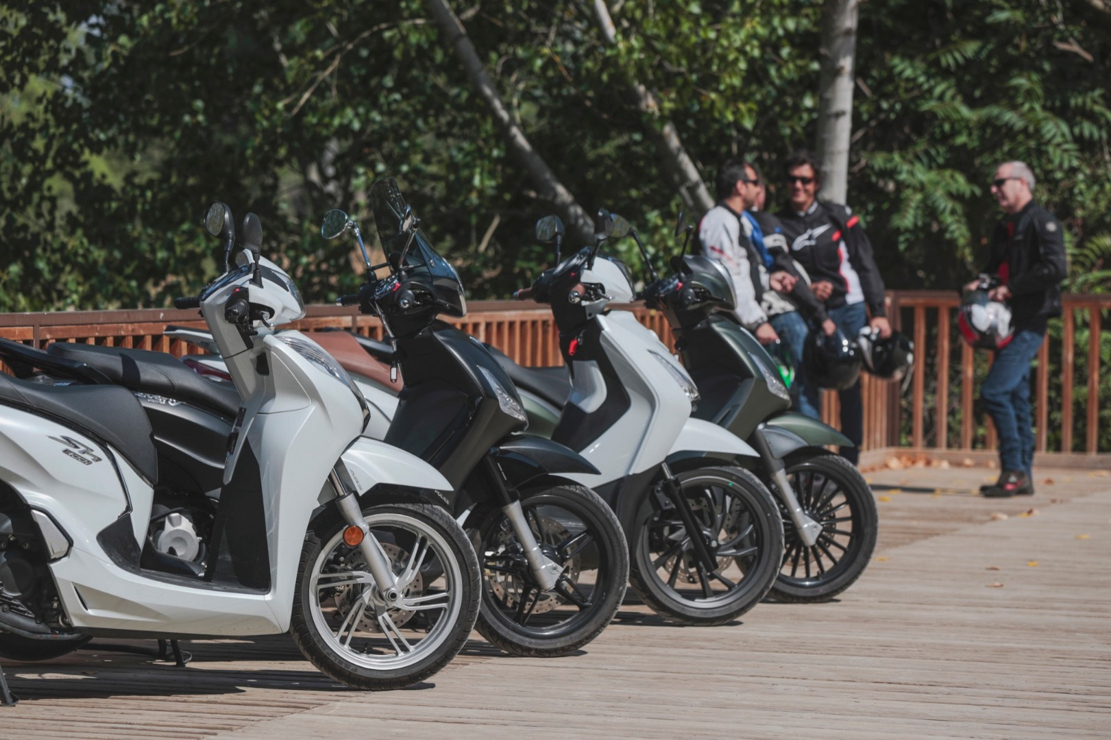 Comparativa Scooters: Honda SH300l vs. Piaggio Beverly 300/350 vs. SYM HD 300