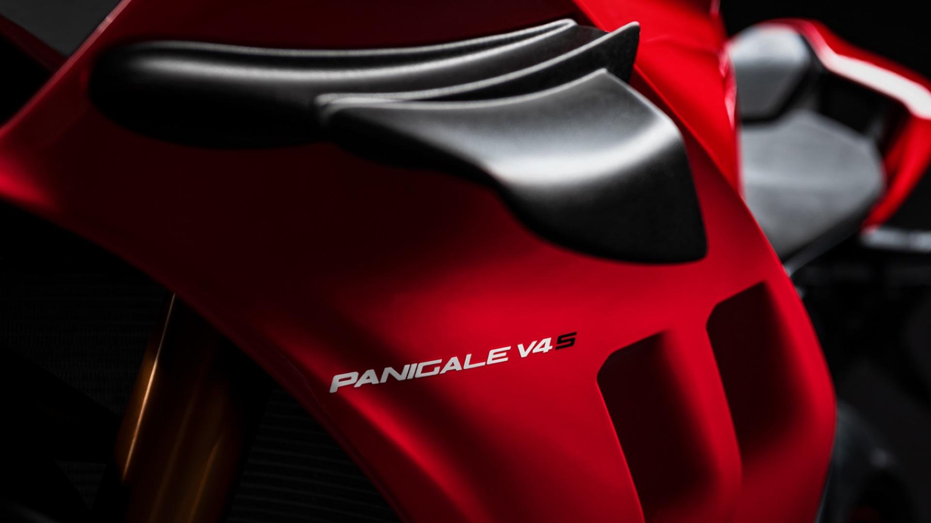 Ducati Panigale V4 2020, fotos de la renovada versión estándar