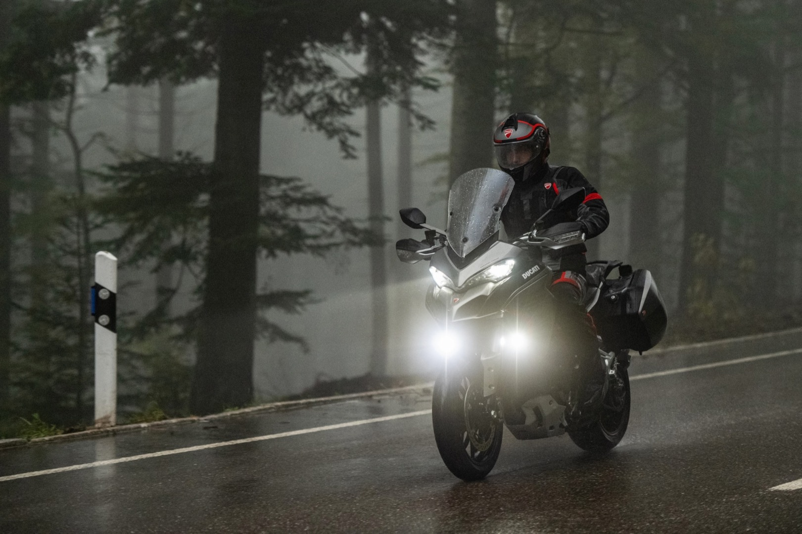 Ducati Multistrada 1260 S Grand Tour, galería de fotos