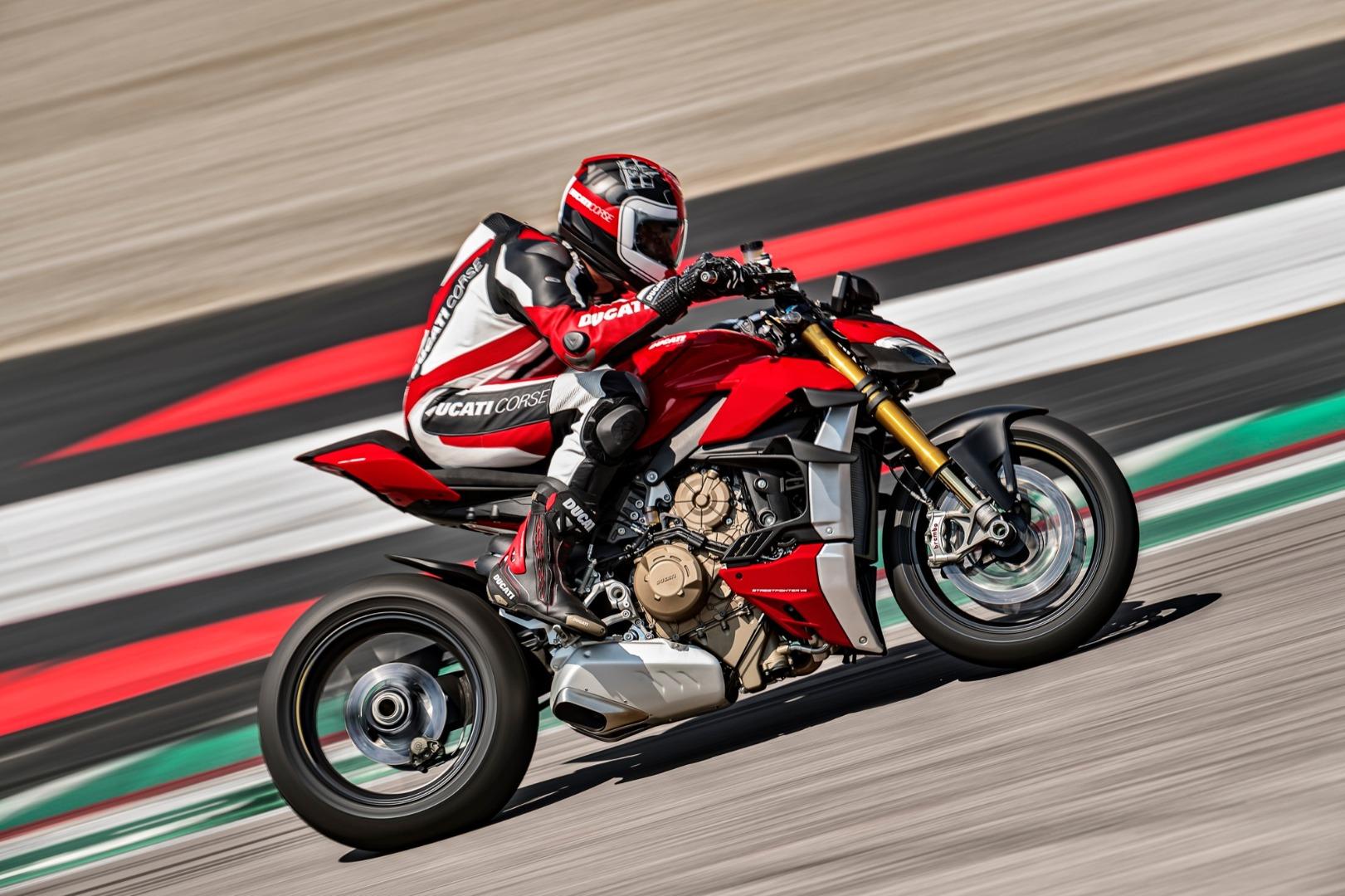 Ducati Streetfighter 2009 vs Ducati Streetfighter V4 2010 | Así ha evolucionado