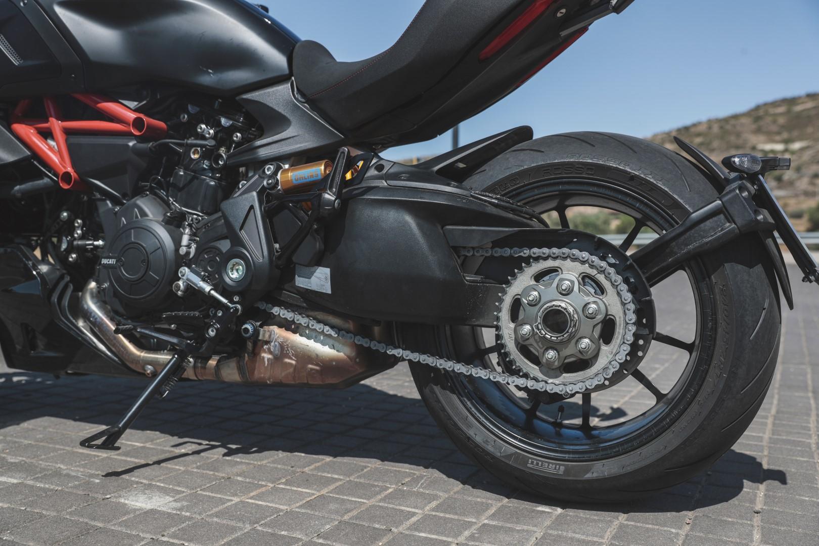 Ducati Diavel 1260 S, superprueba, fotos y ficha técnica