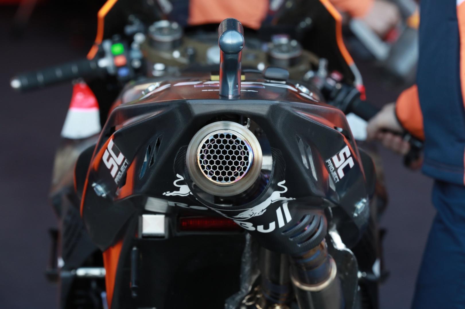 Honda RC-213V 2020 - Dos prototipos en pista, tres caídas