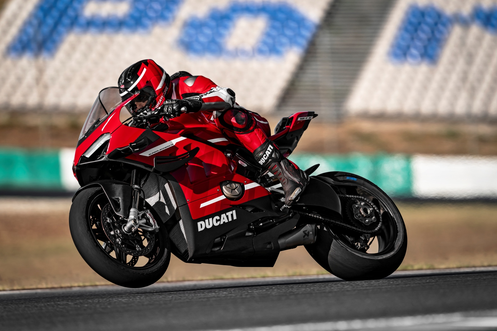 Ducati Superleggera V4 2020 en acción