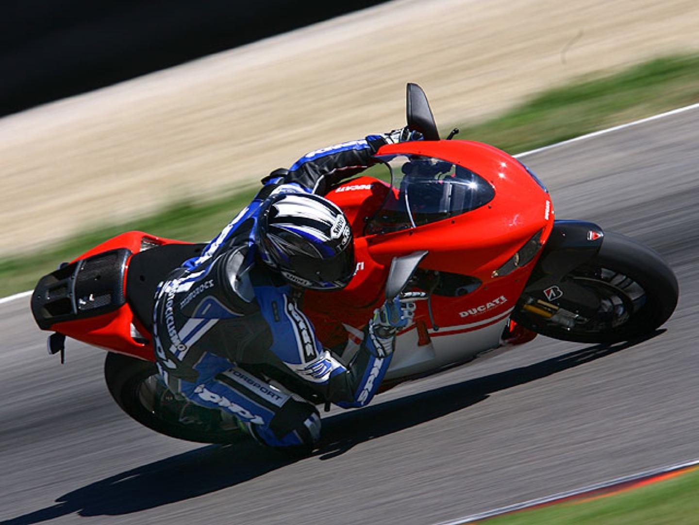 6) Ducati Desmosedici RR, 82.000 euros