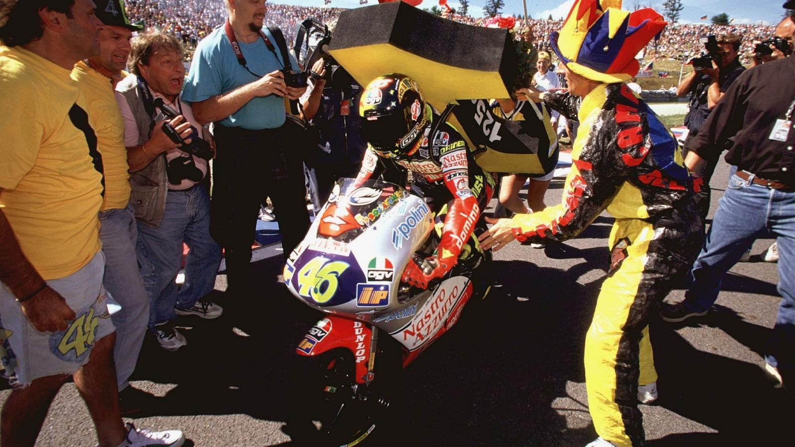 25 años Valentino Rossi: 1997 – Campeón 125cc – Aprilia RS125 / Nastro Azzurro Aprilia