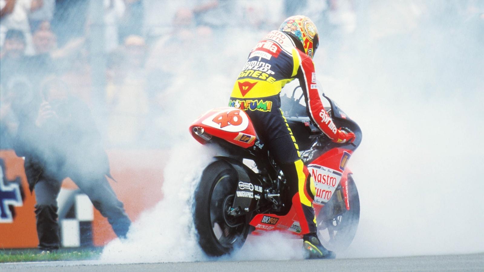 25 años Valentino Rossi: 1998 – Subcampeón 250cc – Aprilia RS250 / Nastro Azzurro Aprilia
