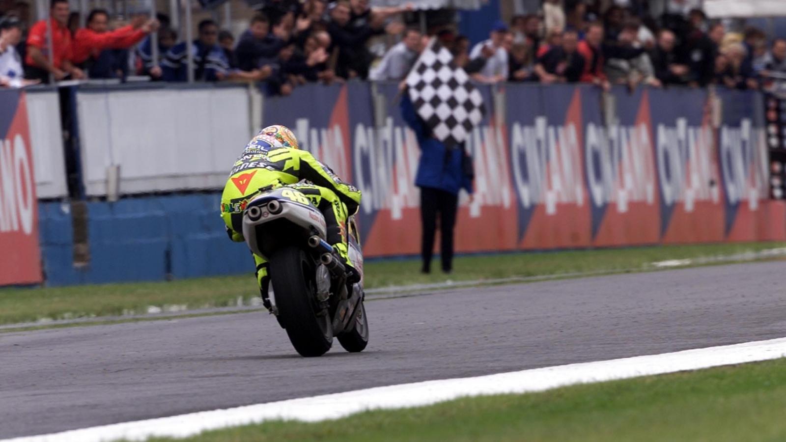 25 años Valentino Rossi: 2000 – Subcampeón 500cc – Honda NSR500 / Nastro Azzurro Honda