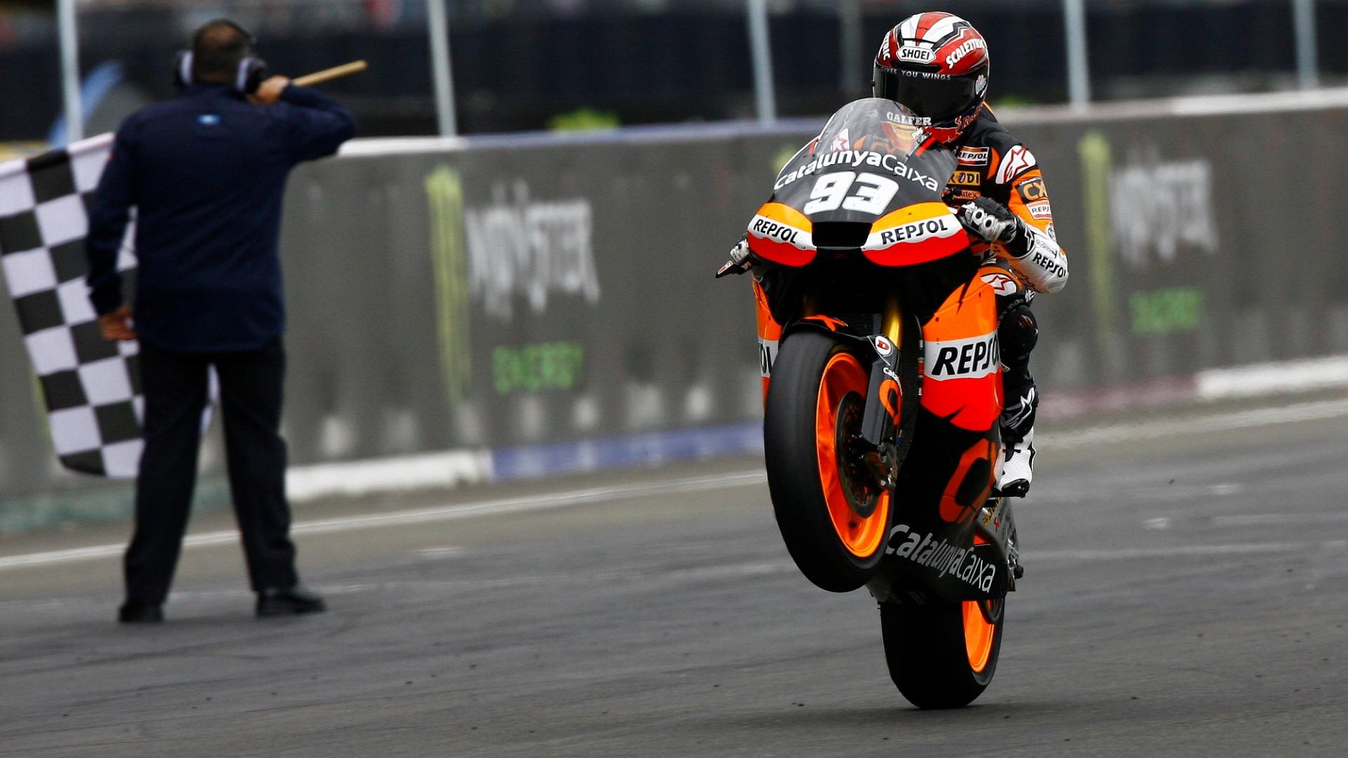 Marc Márquez: 2011 – Inicio difícil en Moto2