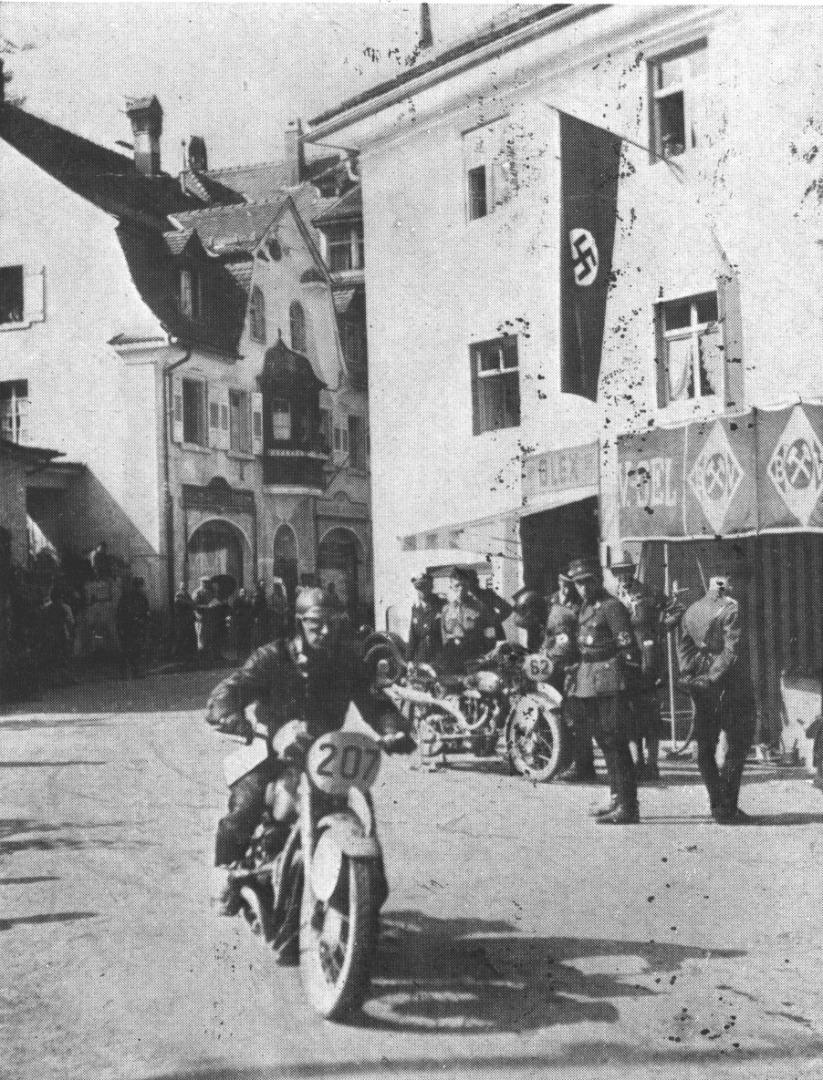 Las carreras en el periodo de entreguerras: fascismo, nazismo y motos