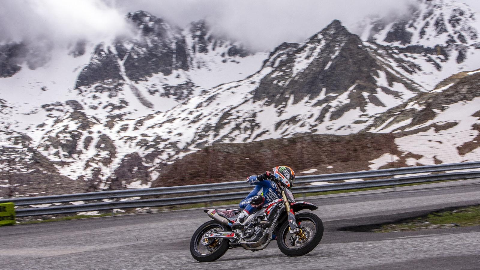 Álex Rins y Tito Rabat vuelven a entrenar en Andorra