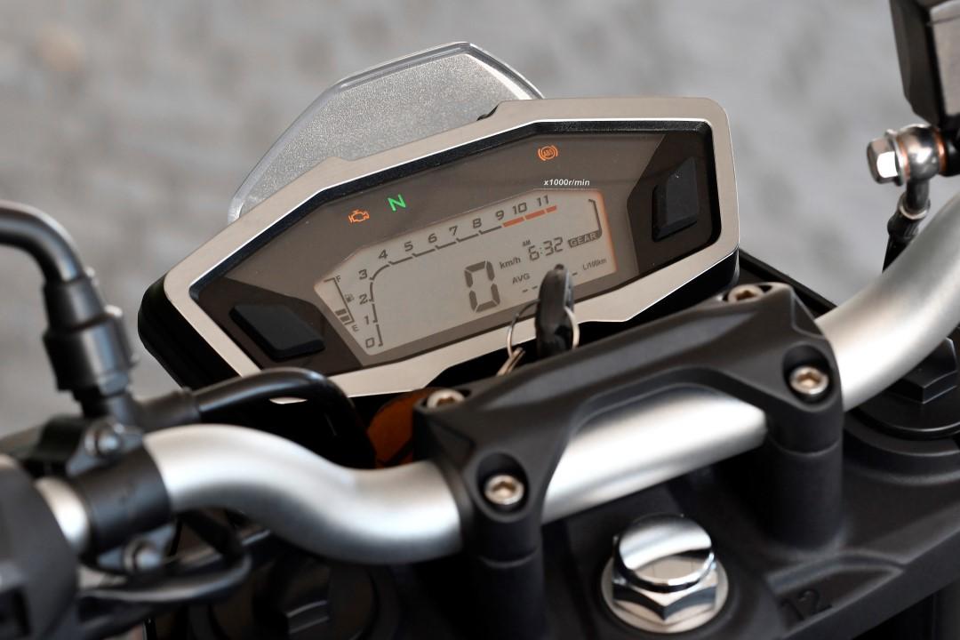 Gama Voge 300 AC, R y RR
