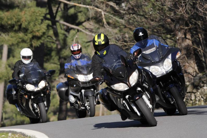 Comparativa GT:  BMW R 1200 RT, Kawasaki 1400GTR, Triumph Trophy SE, Yamaha FJR1300A.